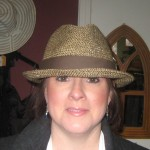 straw brown brim cropped